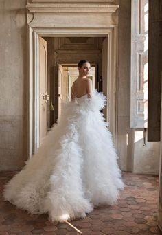 Peter Langner Wedding Dresses - Women's style: Patterns of sustainability Elegant Wedding Gowns, Country Wedding Dresses, Dream Wedding Dresses, Bridal Dresses, Prom Dresses, Long Dresses, Formal Dresses, Couture Wedding Gowns, Casual Wedding