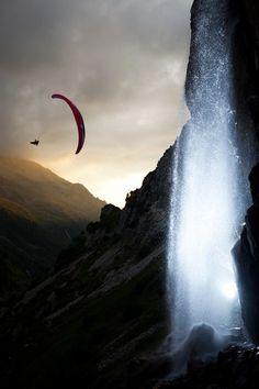 Learn #paragliding - still on my Bucket List ...