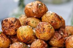dillrostad färskpotatis Food N, Good Food, Food And Drink, Yummy Food, Food For The Gods, Scandinavian Food, Potato Side Dishes, Just Eat It, Swedish Recipes