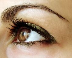 Green eyeliner for Brown Eyes...I'll be on the lookout for this.