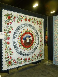 This is a stunningly beautiful quilt. WOW 2013 Paducah Quilt Show