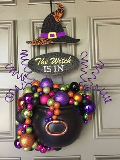 Diy Halloween Decorations Have a spooktacular Hallowee. Diy Halloween Decorations Have a spooktacular Halloween this year by making your own decorations. Image Halloween, Halloween Sounds, Soirée Halloween, Adornos Halloween, Outdoor Halloween, Holidays Halloween, Diy Halloween Wreaths, Purple Halloween Decorations, Halloween Deco Mesh