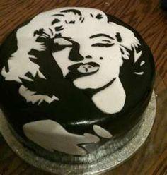 marilyn monroe cake...oh yes