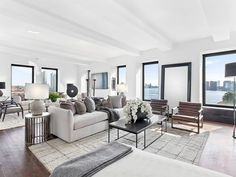 Campanile Cooperative Meredith Baer, Work In New York, Interior Design Work, New York Homes, Transitional House, Home Staging, Great Rooms, Luxury Homes, Modern