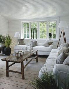 Astounding 24 Best Ideas To Make Your Home More Pretty With Rustic Coastal Decor https://24spaces.com/home-apartment/24-best-ideas-to-make-your-home-more-pretty-with-rustic-coastal-decor/