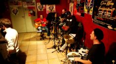 Pagode do Jambo 8 en CASA LATINA Brazil Time Ao Vivo (Bordeaux 29-11-2013)  BRAZIL TIME à la CASA LATINA ( bordeaux)  21H00 BAL BRESILIEN !!!!!! minuit TAÏNOS TIME !!!!!!  CASA LATINA devient pour la soirée CASA DO BRAZIL ! avec les musiciens du groupe PAGODE DO JAMBO ! La voix et la danse sont à l'honneur comme dans la plupart des musiques brésiliennes. !  PAGODE DO JAMBO, c'est 5,6 musiciens passionnés par leur pays et leurs traditions !!