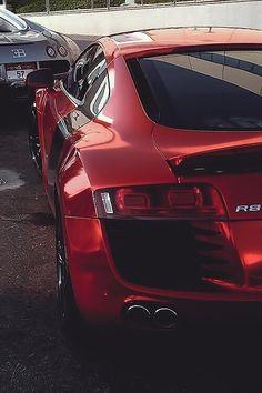 Audi R8 in festive red chrome :)