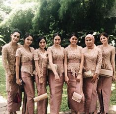 Wedding dresses hijab scarfs 58 Ideas for 2019 Kebaya Muslim, Kebaya Modern Hijab, Model Kebaya Modern, Kebaya Hijab, Kebaya Dress, Batik Kebaya, Modern Hijab Fashion, Batik Fashion, Batik Dress
