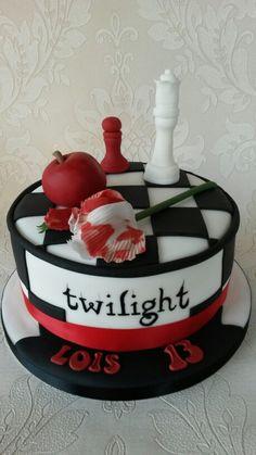 Twilight cake Twilight Cake, Twilight Saga Books, Twilight Movie, 14th Birthday Cakes, Brithday Cake, Cute Cakes, Yummy Cakes, Sweet Sixteen Decorations, Movie Cakes