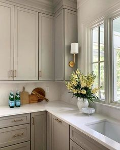Beige Kitchen Cabinets, Taupe Kitchen, Kitchen Cabinet Colors, Kitchen Redo, Home Decor Kitchen, Kitchen Interior, New Kitchen, Home Kitchens, Kitchen Cabinets That Go To The Ceiling