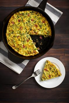 The recipe is perfect for brunch or even better for meal prep! Grab and go breakfast with this Turkey Bacon and Kale Frittata! Grab And Go Breakfast, Breakfast Bites, Kale Frittata, Substitute For Egg, Egg Whisk, Turkey Bacon, Recipe Of The Day, Meal Prep, Food To Make