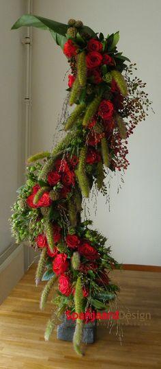 Funeral flower arrangement 1.2 - medico/esculaap - front - 1 of 2 | http://www.spanjaarddesign.nl/rouwbloemwerk-4/