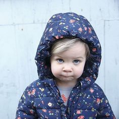 On en connaît qui n'aiment pas trop le lundi par ici...;) Belle semaine à tous ! #lundi #monday #babygirl #cute #vertbaudet