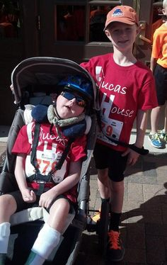 Lucas has lissencephaly but with Noah - his big brother -the two boys completed their first kids triathlon in Boise, Idaho: a beautiful story of love and friendship (III) l #LucasHouse