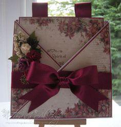 HAND-MADE CHRISTMAS CARD ~ VINTAGE STYLE CRISS CROSS CARD GREETING CARD POSTCARD