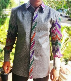 Nigerian Men Fashion, Ghana Fashion, Batik Fashion, African Print Fashion, African Fashion Dresses, African Attire, African Shirts For Men, African Clothing For Men, Batik Shirt