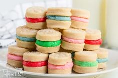 Cream Wafer Sandwich Cookies are made with only 4 ingredients: butter, cream, flour and sugar. Decorate them in any shape or color for holidays. They melt in your mouth. Cream Wafer Cookies Recipe, Sandwich Cookies, Mint Creams, 4 Ingredients, Vintage Recipes, Sandwiches, Vanilla Cake, Cookie Recipes, Delicious Desserts