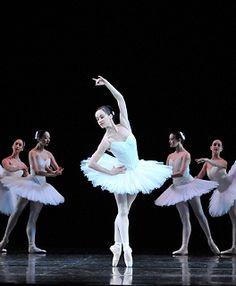 Lucinda Dunn in Suite en Blanc. Photo Jim McFarlane The Australian Ballet