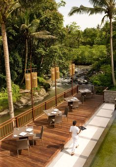 With spacious villas, The Samaya Ubud is an ideal place to relax in a tropical paradise