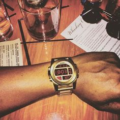 Unit SS Digital watch in all gold - Nixon - Stainless steel @carlhpierre