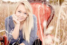 Senior Pictures / Girl / fall / Pose Senior Pictures 2015, Photography Senior Pictures, Teen Photography, Senior Photos, Senior Portraits, Portrait Photography, Picture Poses, Photo Poses, Picture Ideas