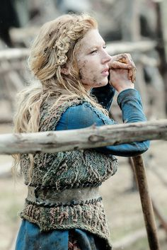 "stormbornvalkyrie:  Lagertha | Vikings 3.02 ""The Wanderer"" © Vikings Season 3 premieres Thursday, Feb 19th 2015 on the History Channel."