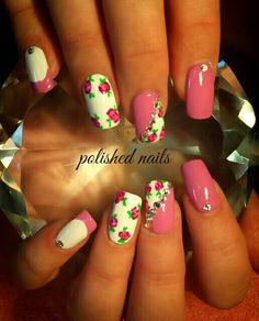 Girly vintage nails