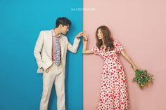 View photos in 2018 New Sample. Pre-Wedding photoshoot by Chungdam Studio, wedding photographer in Seoul, Korea. Pre Wedding Poses, Pre Wedding Photoshoot, Wedding Shoot, Wedding Dresses, Korean Wedding Photography, Wedding Photography Packages, Photography Pics, Wedding Photo Inspiration, Selfies
