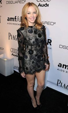 Kylie Minogue Showed Off Her Ridiculously Perfect Pins In An Embellished Mini Dress By Ungaro, October 2010 Kylie Minogue Wow, Kyle Minogue, Jennifer Aniston Hot, Dannii Minogue, Seductive Women, Leather Mini Dress, Evolution Of Fashion, Women In Music, Sexy Older Women