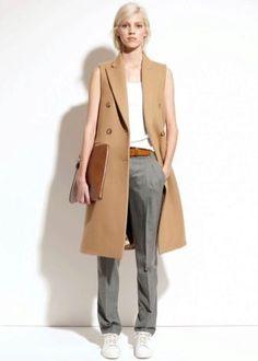 Пальто без рукавов (137 фото): тенденции 2018, женское безрукавное пальто, легкое, удлиненное, с прорезями, модели пальто