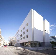 the 'vial-norte building' at the university of cordoba by rafael de la-hoz | cordoba, spain