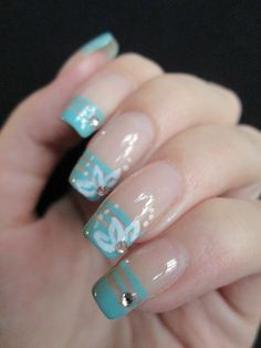 negative space french manicure