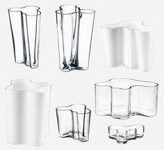 Glass vases by Finnish Architect Alvar Aalto. Glass Ceramic, Glass Vase, Chair Design, Furniture Design, Alvar Aalto, Alessi, Modern Glass, Sustainable Architecture, Furniture Companies