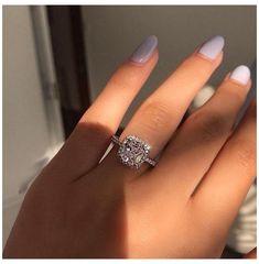 Engagement Rings Cushion, Perfect Engagement Ring, Ring Set, Ring Verlobung, White Gold Wedding Rings, Gold Rings, Engagement Rings White Gold, Big Rings, Boyfriends