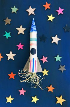 Recycled Rocket | Art invitations for children | Space Crafts | Art for kids | Rocketship | Space Party | DIY rocket ship