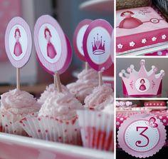 Taart, cupcakes, verjaardagskroon en versiering 'Nouk 3 jaar'.