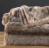 luxe faux fur throw in lynx