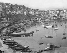 one of three ancient harbors of Piraeus, Greece, Now it sheltersyachts and sailboats. In the middle distance, between the water and the street level, are temporary shacks crowded with refugees from Asia Minor. Greece Pictures, Old Pictures, Old Photos, Vintage Photos, National Geographic Images, Greek History, Greek Isles, History Of Photography, Athens Greece