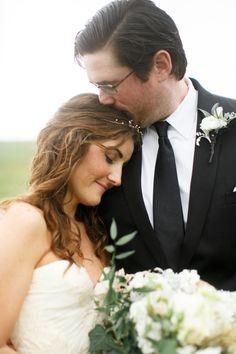 Romantic Rainy Day Wedding in Missouri: Allison & Brad by Alea Lovely - via Snippet & Ink