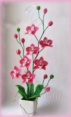 Орхидея из бисера - Бисероплетение
