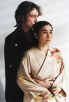 It is a rare portrates of John and Yoko in kimono.