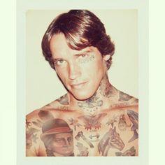 Celebridades com o corpo fechado de tatuagens (33)