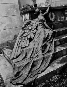The Staglieno Cemetery, Genoa, Italy - CALCAGNO Family circa 1904; Sculptor: Adolfo Apolloni (1855-1933)