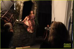 Annie Leibovitz shoots Taylor Swift as Rapunzel