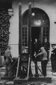 Maison d'arrêt de Paris La Santé, De 1939 à 1981, la « Veuve » s'installe à la prison de La Santé