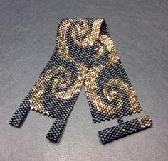PATTERN Single Peyote Simply Swirls Bracelet