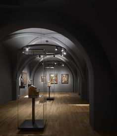 Wilmotte & Associés S. Museum Exhibition Design, Exhibition Space, Design Museum, Museum Architecture, Interior Architecture, Museum Lighting, Pedestal, Lighting Design, Art Gallery
