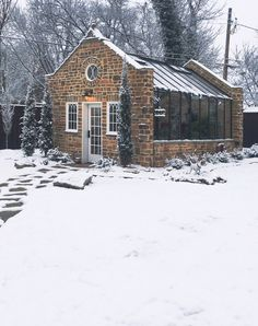 Masonry gables for this outstanding Cottage Custom Orangery in nice wintery surroundings.