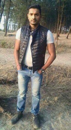 Mrunal Jain as Akash