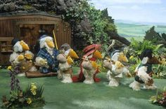 The Wombles by Elisabeth Beresford. The Wombles live under Wimbledon Common, and collect litter and things humans leave behind to turn into useful objects. Wimbledon Common, My Childhood Memories, 1980s Childhood, Photography Challenge, Kids Tv, Book Girl, Pretty Pictures, Pretty Pics, Stop Motion